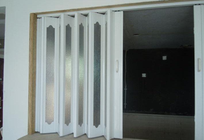 porte de pliage int rieure de pvc porte coulissante d 39 accord on en plastique vitesse d. Black Bedroom Furniture Sets. Home Design Ideas