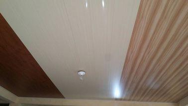 Chine panneaux de plafond plats de PVC de 20cm x de 6mm aucune conception en bois d'aspiration distributeur